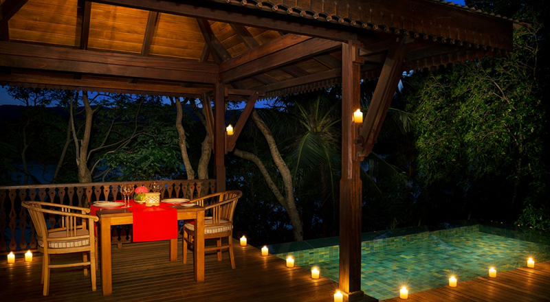 Enchanted_Island_Resort_-_private_dinner